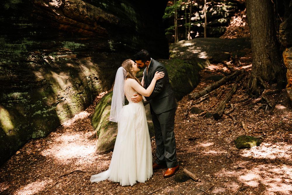 happy-days-lodge-wedding-photography-cuyahoga-valley-national-park-cvnp-cleveland-wedding-photographers-peninsula-ohio-34.jpg