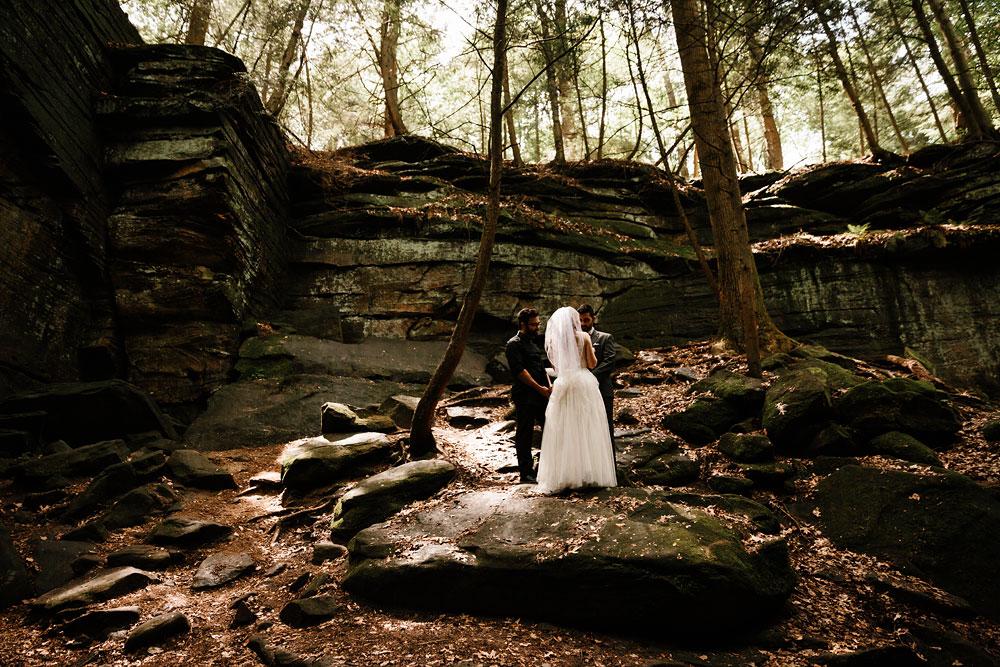 happy-days-lodge-wedding-photography-cuyahoga-valley-national-park-cvnp-cleveland-wedding-photographers-peninsula-ohio-45.jpg