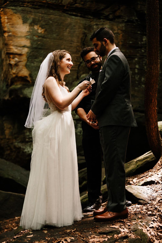 happy-days-lodge-wedding-photography-cuyahoga-valley-national-park-cvnp-cleveland-wedding-photographers-peninsula-ohio-47.jpg