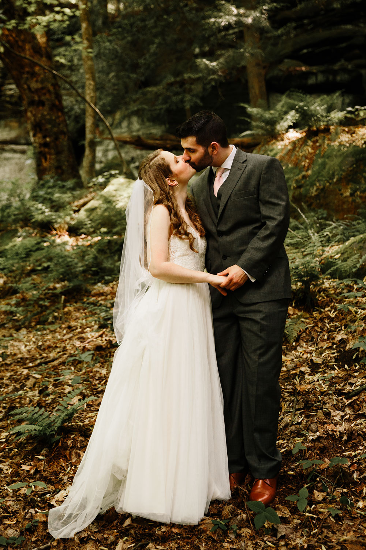 happy-days-lodge-wedding-photography-cuyahoga-valley-national-park-cvnp-cleveland-wedding-photographers-peninsula-ohio-71.jpg