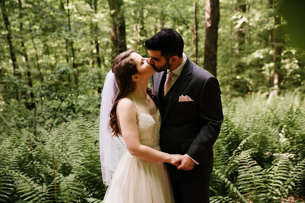 happy-days-lodge-wedding-photography-cuyahoga-valley-national-park-cvnp-cleveland-wedding-photographers-peninsula-ohio-84.jpg