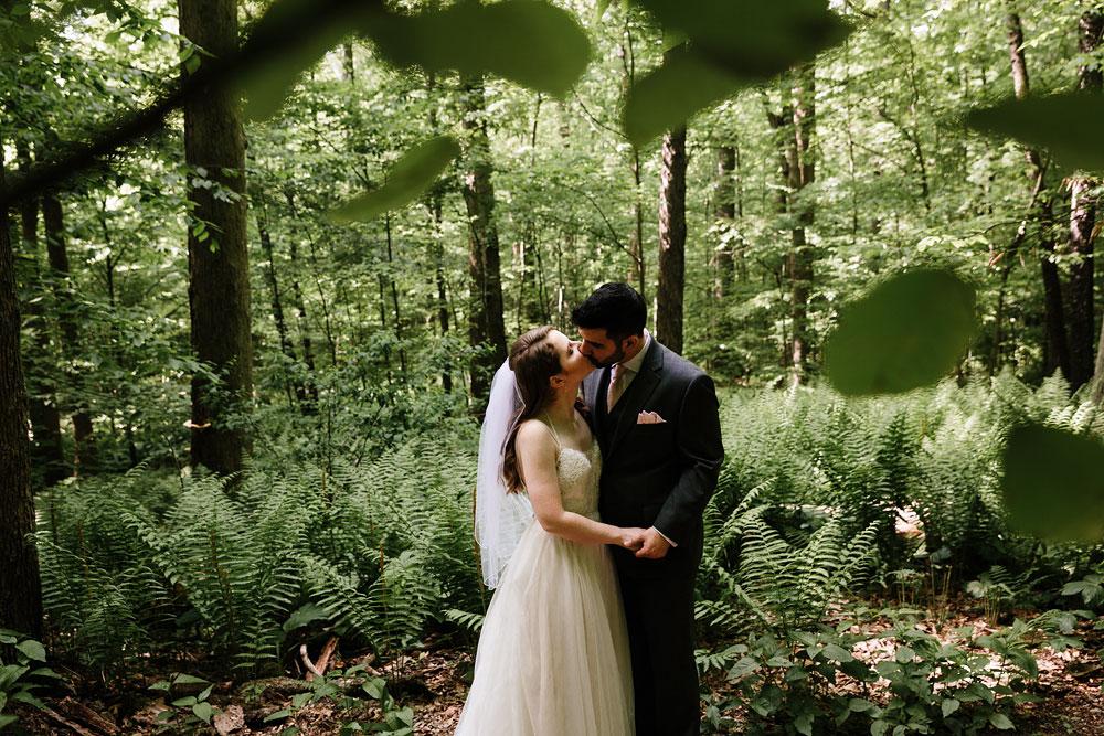 happy-days-lodge-wedding-photography-cuyahoga-valley-national-park-cvnp-cleveland-wedding-photographers-peninsula-ohio-86.jpg