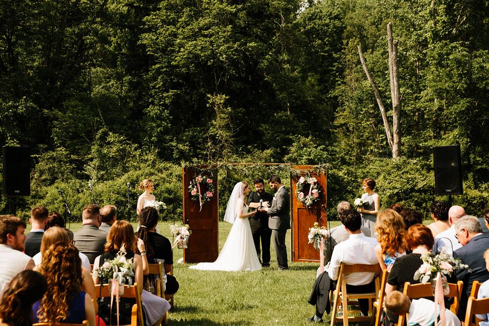 happy-days-lodge-wedding-photography-cuyahoga-valley-national-park-cvnp-cleveland-wedding-photographers-peninsula-ohio-97.jpg