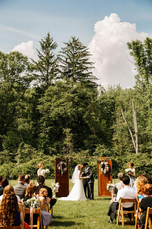 happy-days-lodge-wedding-photography-cuyahoga-valley-national-park-cvnp-cleveland-wedding-photographers-peninsula-ohio-99.jpg
