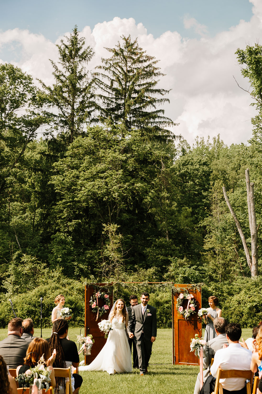 happy-days-lodge-wedding-photography-cuyahoga-valley-national-park-cvnp-cleveland-wedding-photographers-peninsula-ohio-101.jpg