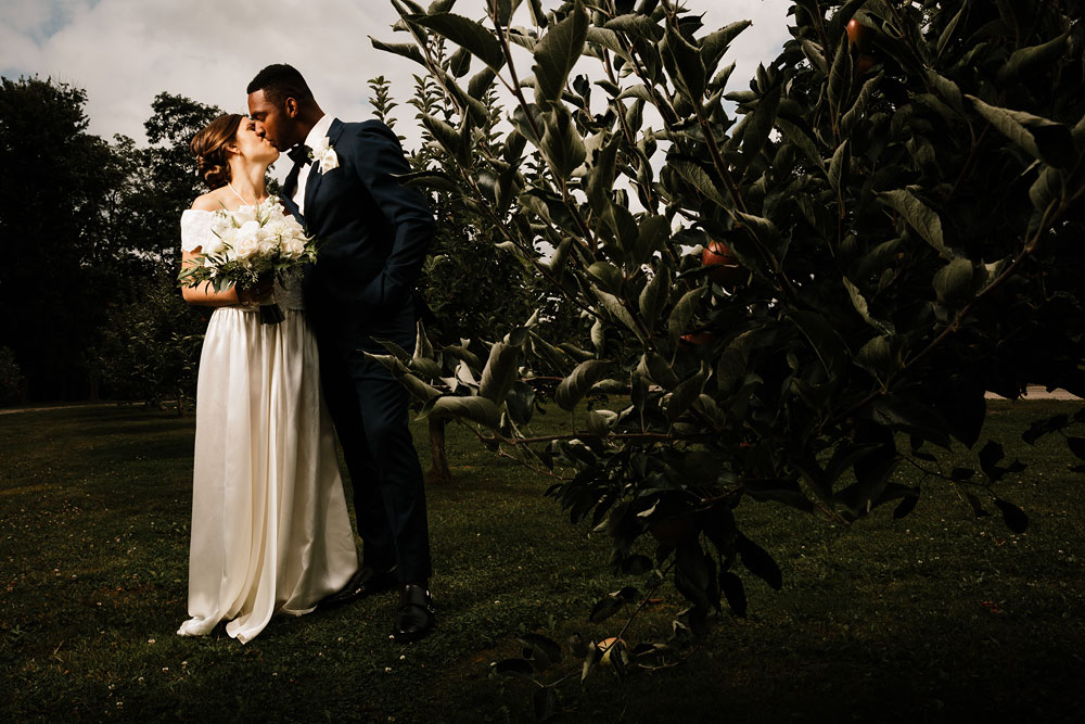 pattersons-fruit-farm-orchard-hills-center-wedding-photography-chesterland-ohio-cleveland-wedding-photographers-86.jpg