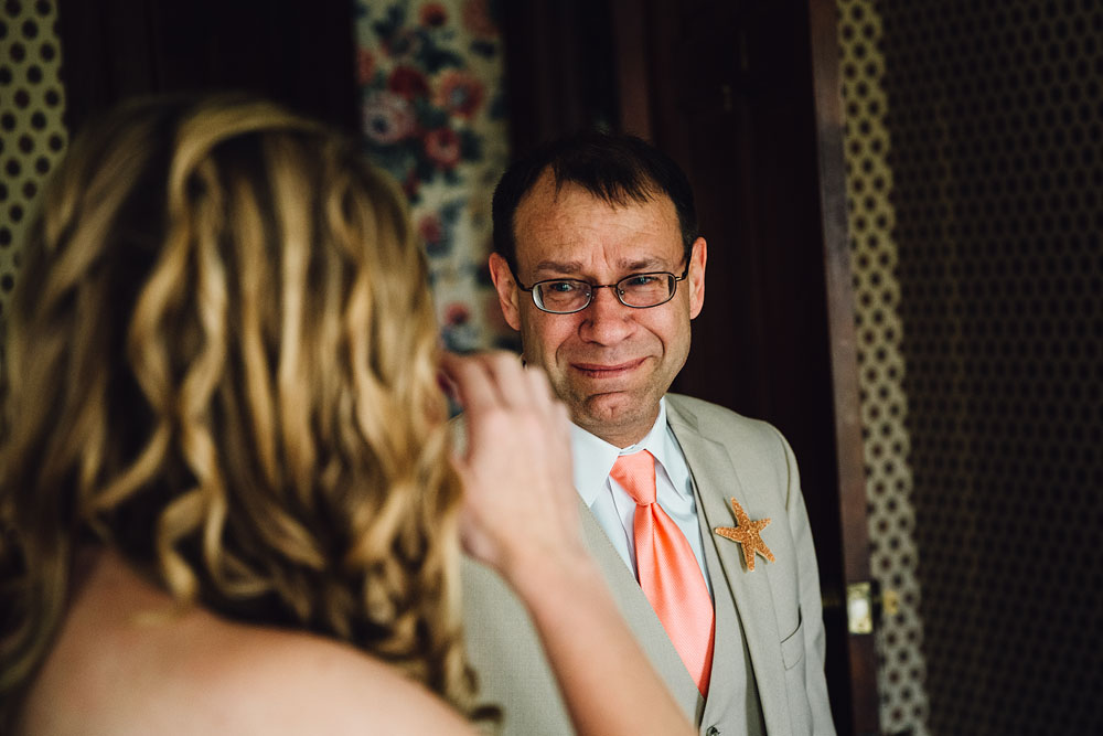 bride's first look with her dad and crying