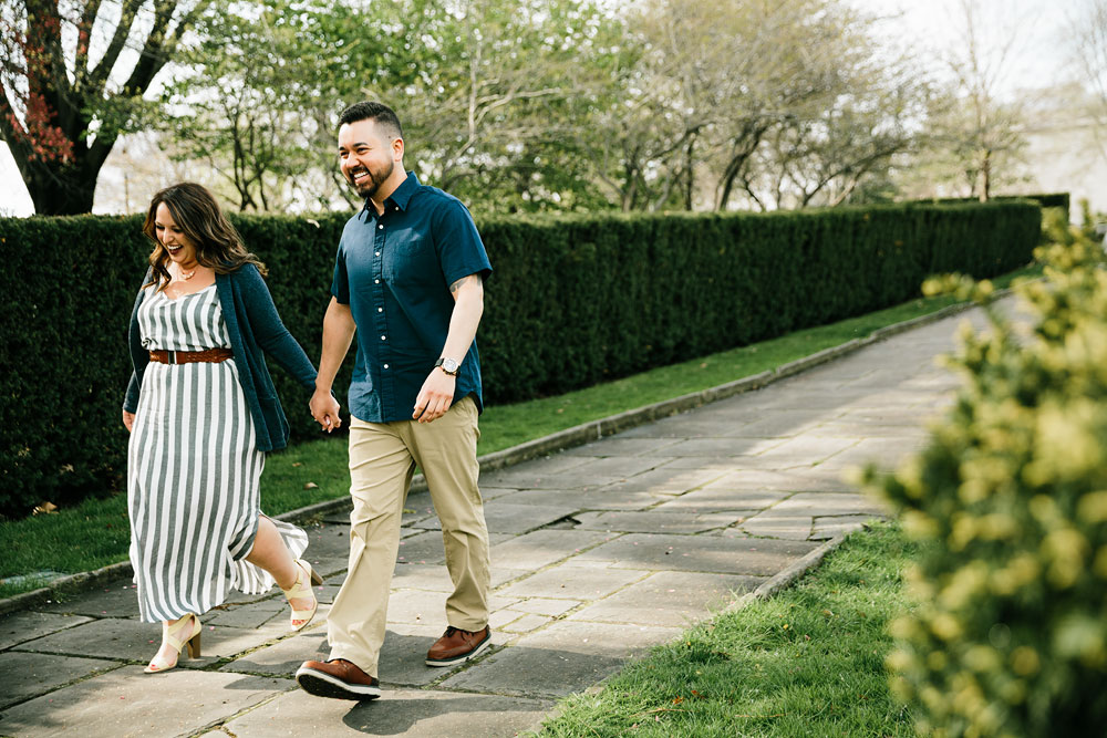 cleveland-museum-of-art-university-circle-engagement-session-cleveland-wedding-photographers-2.jpg