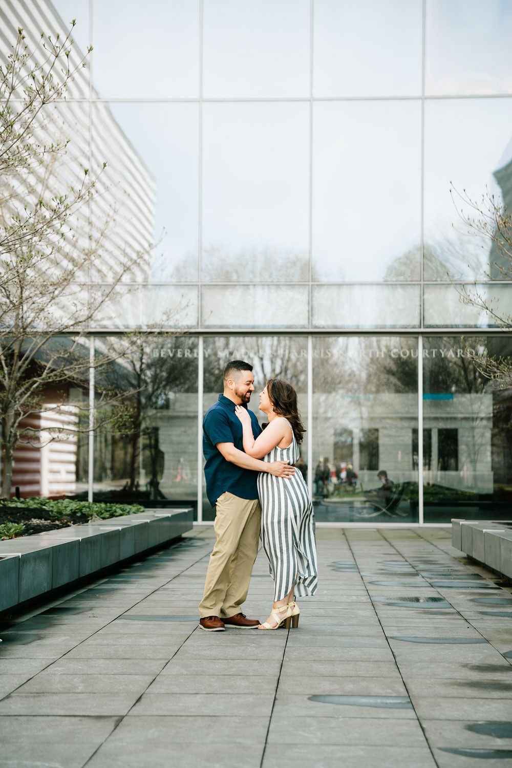 cleveland-museum-of-art-university-circle-engagement-session-cleveland-wedding-photographers-5.jpg