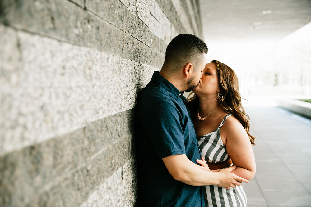 cleveland-museum-of-art-university-circle-engagement-session-cleveland-wedding-photographers-9.jpg