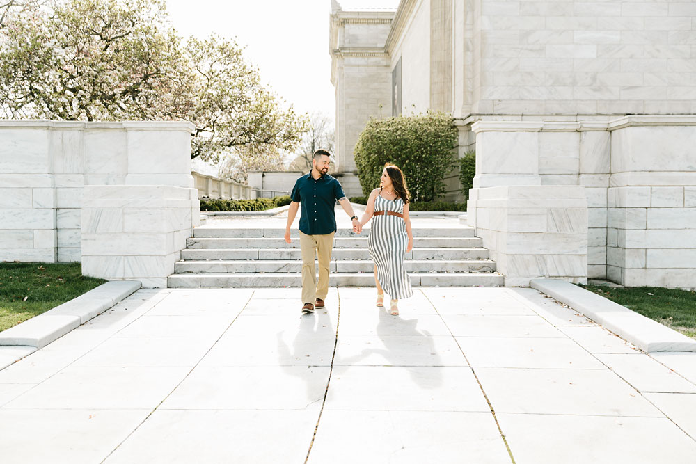cleveland-museum-of-art-university-circle-engagement-session-cleveland-wedding-photographers-10.jpg