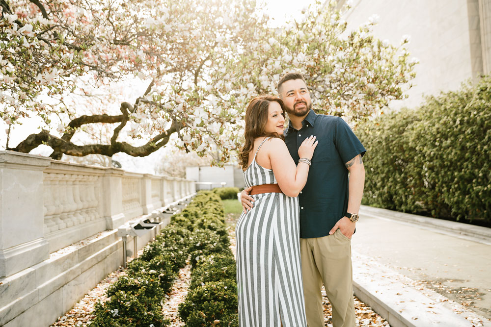 cleveland-museum-of-art-university-circle-engagement-session-cleveland-wedding-photographers-14.jpg