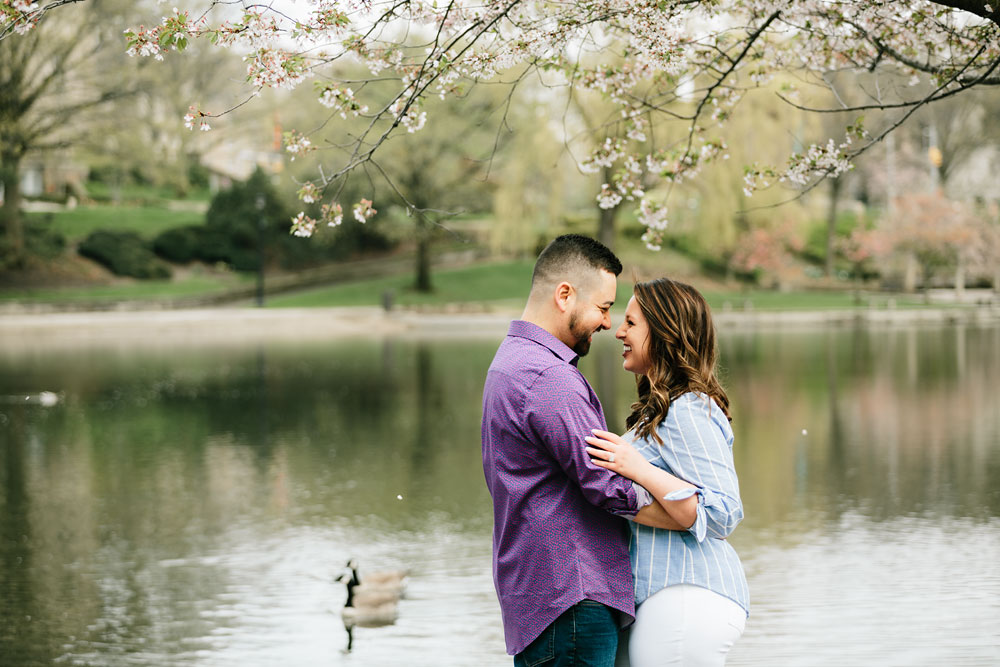 cleveland-museum-of-art-university-circle-engagement-session-cleveland-wedding-photographers-20.jpg