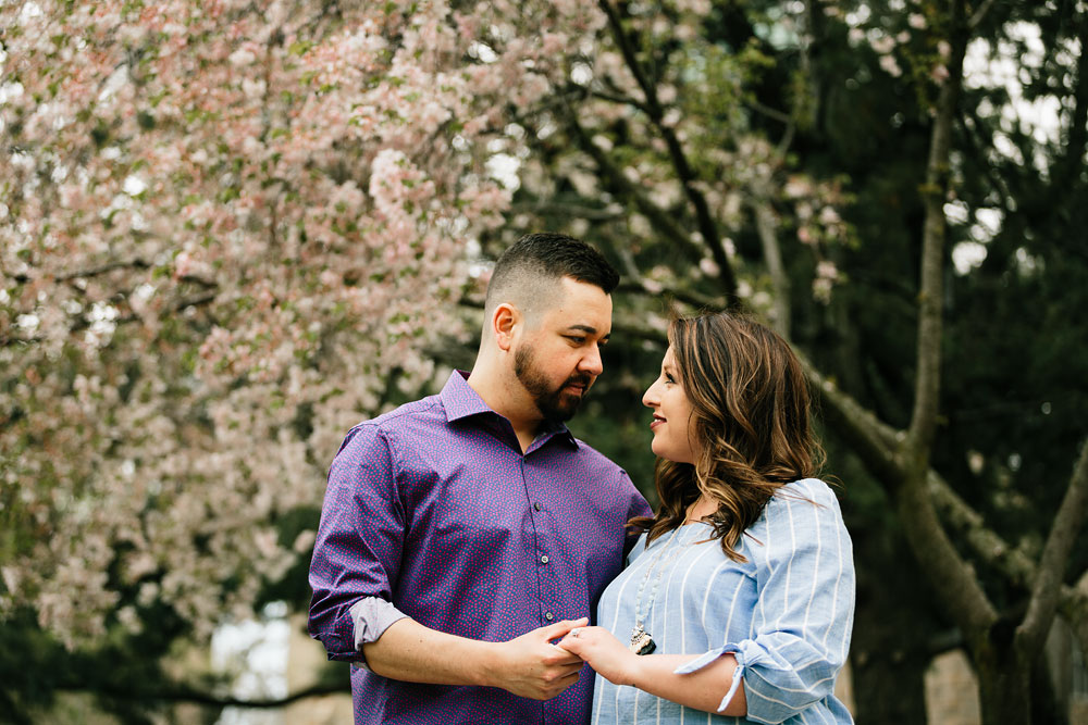 cleveland-museum-of-art-university-circle-engagement-session-cleveland-wedding-photographers-22.jpg