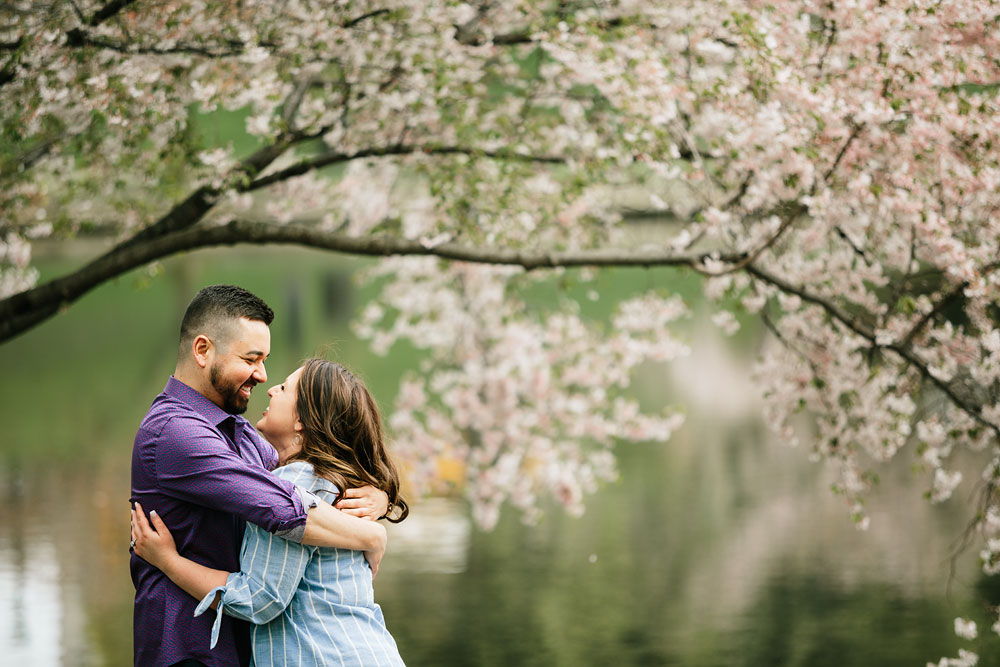 cleveland-museum-of-art-university-circle-engagement-session-cleveland-wedding-photographers-24.jpg