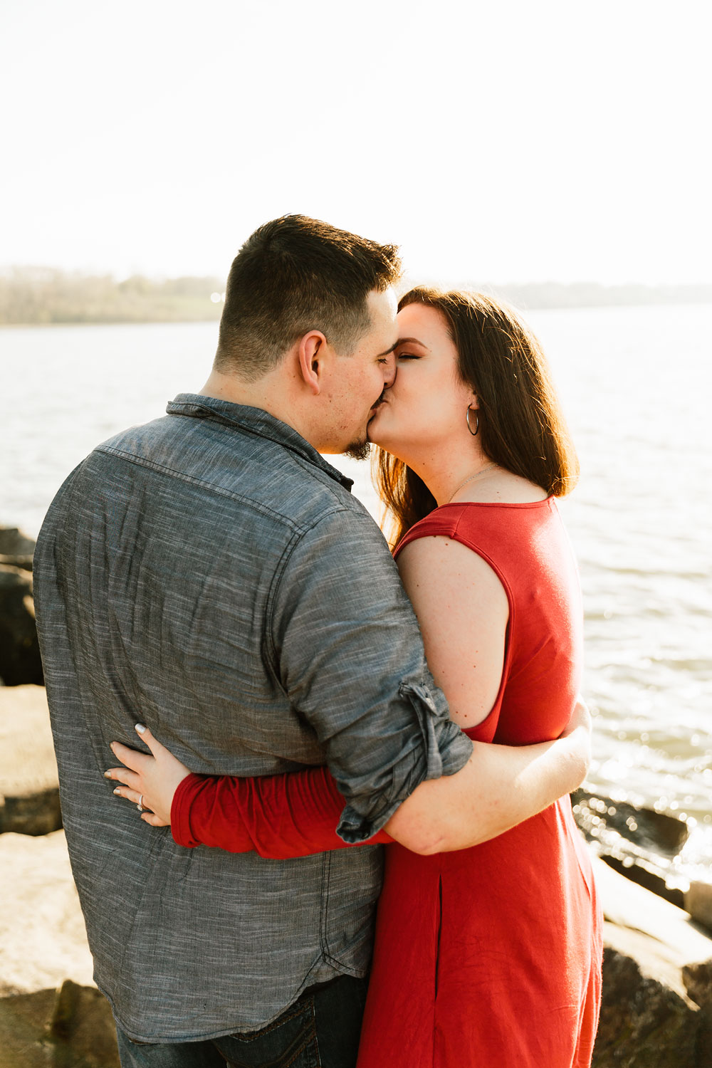 edgewater-beach-engagement-session-wendy-park-cleveland-wedding-photographers-2.jpg
