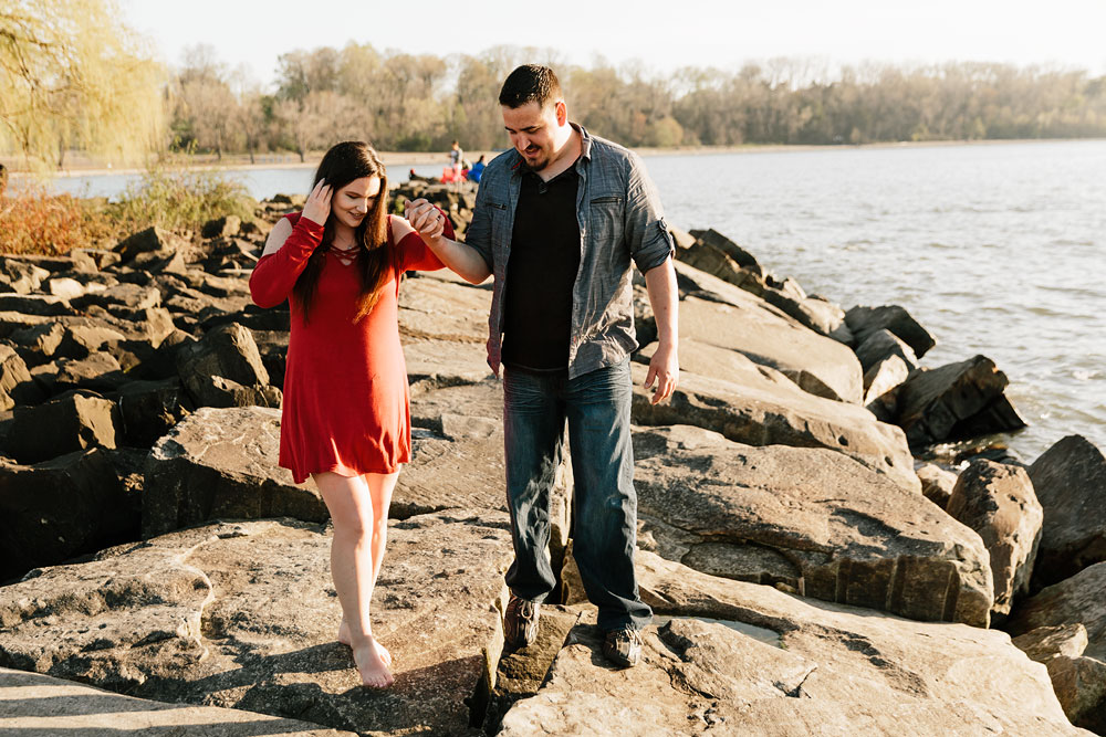edgewater-beach-engagement-session-wendy-park-cleveland-wedding-photographers-3.jpg