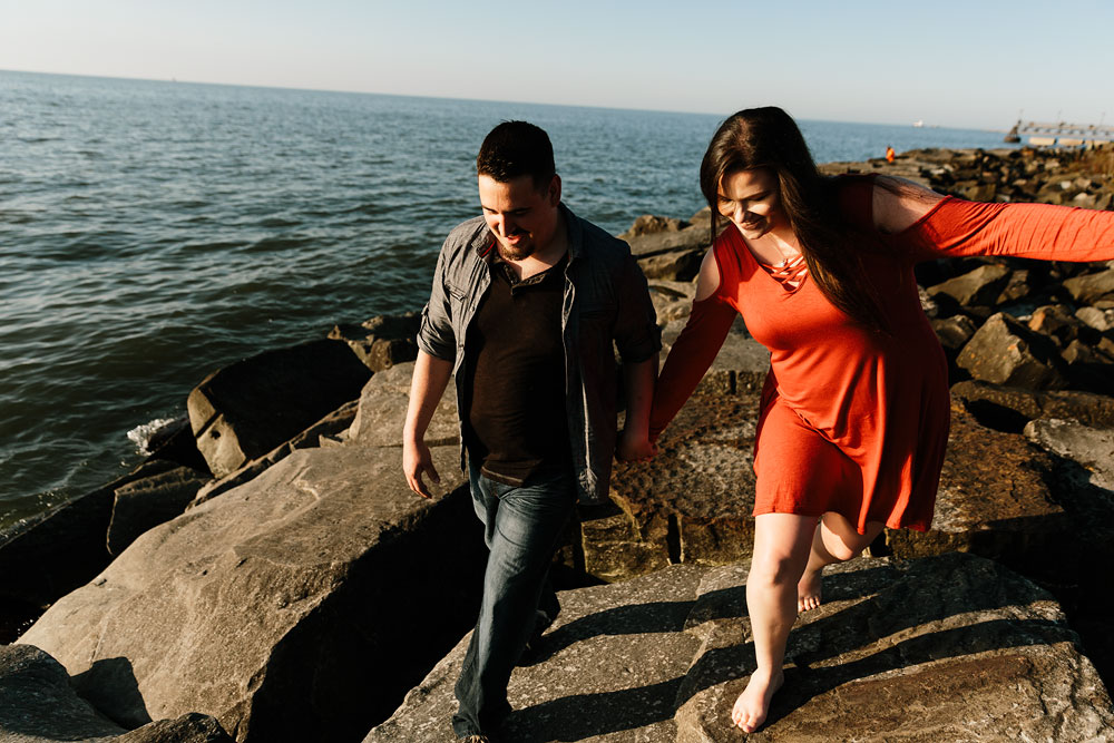 edgewater-beach-engagement-session-wendy-park-cleveland-wedding-photographers-8.jpg