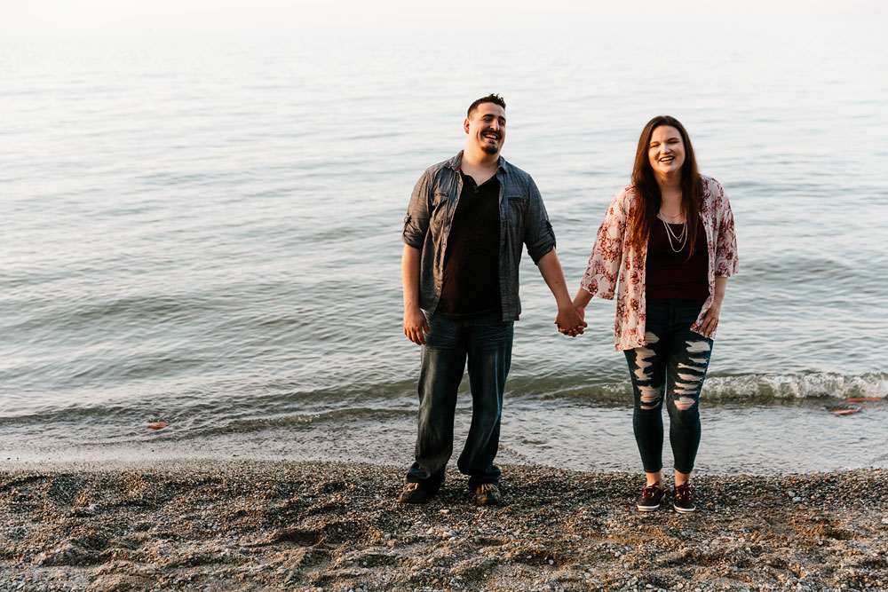 edgewater-beach-engagement-session-wendy-park-cleveland-wedding-photographers-13.jpg