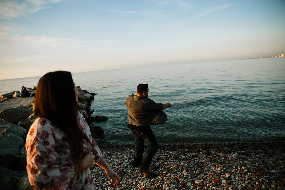 edgewater-beach-engagement-session-wendy-park-cleveland-wedding-photographers-19.jpg