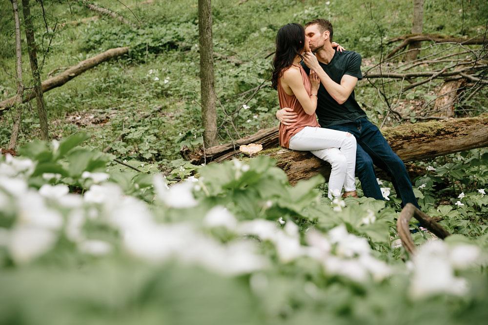 medina-ohio-hubbard-valley-park-engagement-photography-cleveland-wedding-photographers-2.jpg