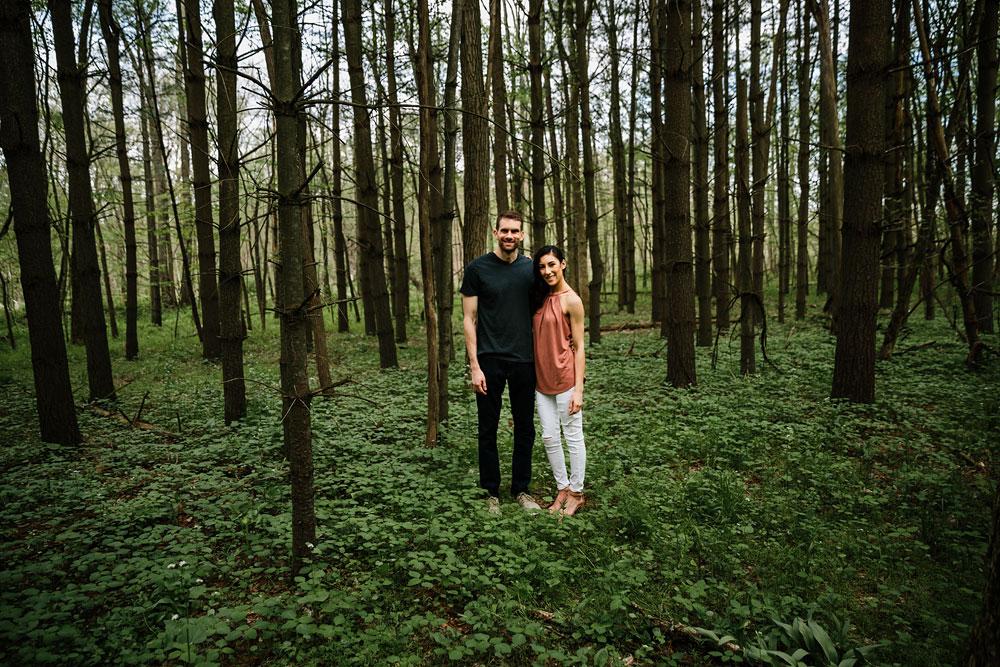 medina-ohio-hubbard-valley-park-engagement-photography-cleveland-wedding-photographers-12.jpg
