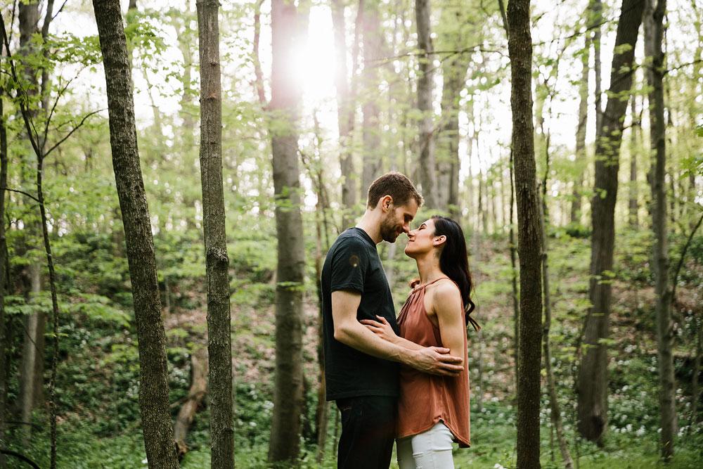 medina-ohio-hubbard-valley-park-engagement-photography-cleveland-wedding-photographers-15.jpg
