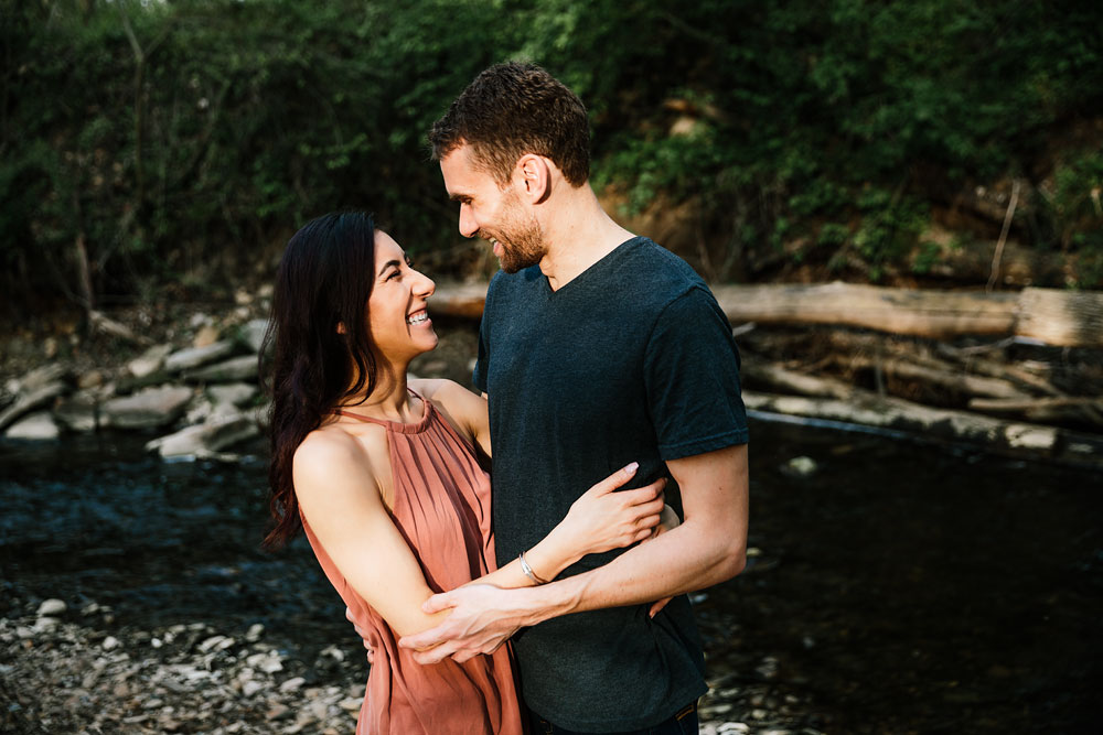 medina-ohio-hubbard-valley-park-engagement-photography-cleveland-wedding-photographers-18.jpg