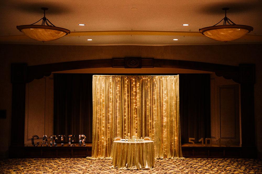 stambaugh-auditorium-youngstown-ohio-cleveland-wedding-photographers-12.jpg