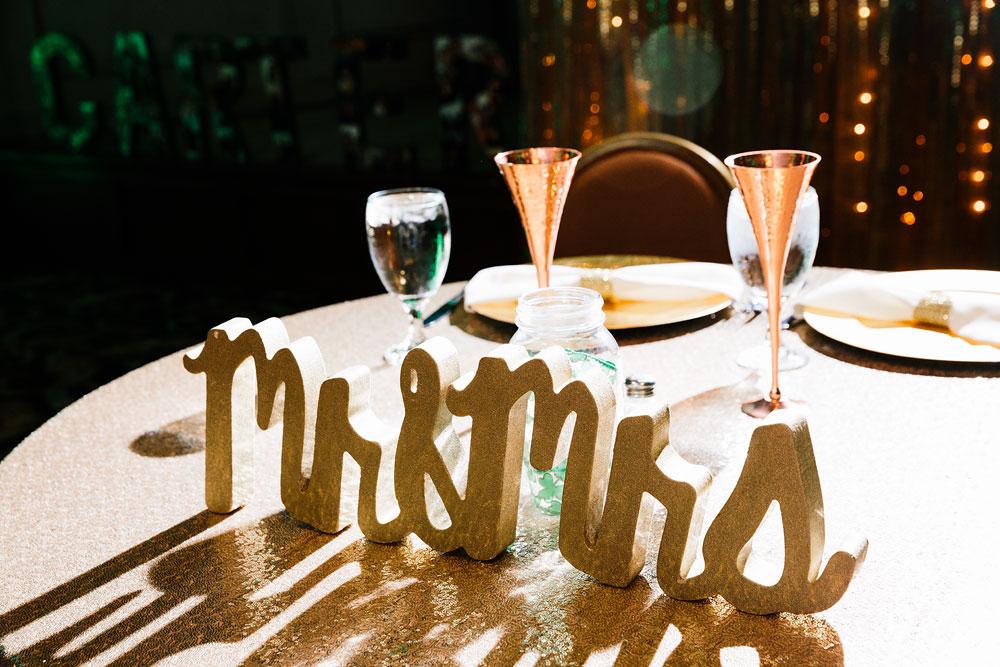 stambaugh-auditorium-youngstown-ohio-cleveland-wedding-photographers-14.jpg