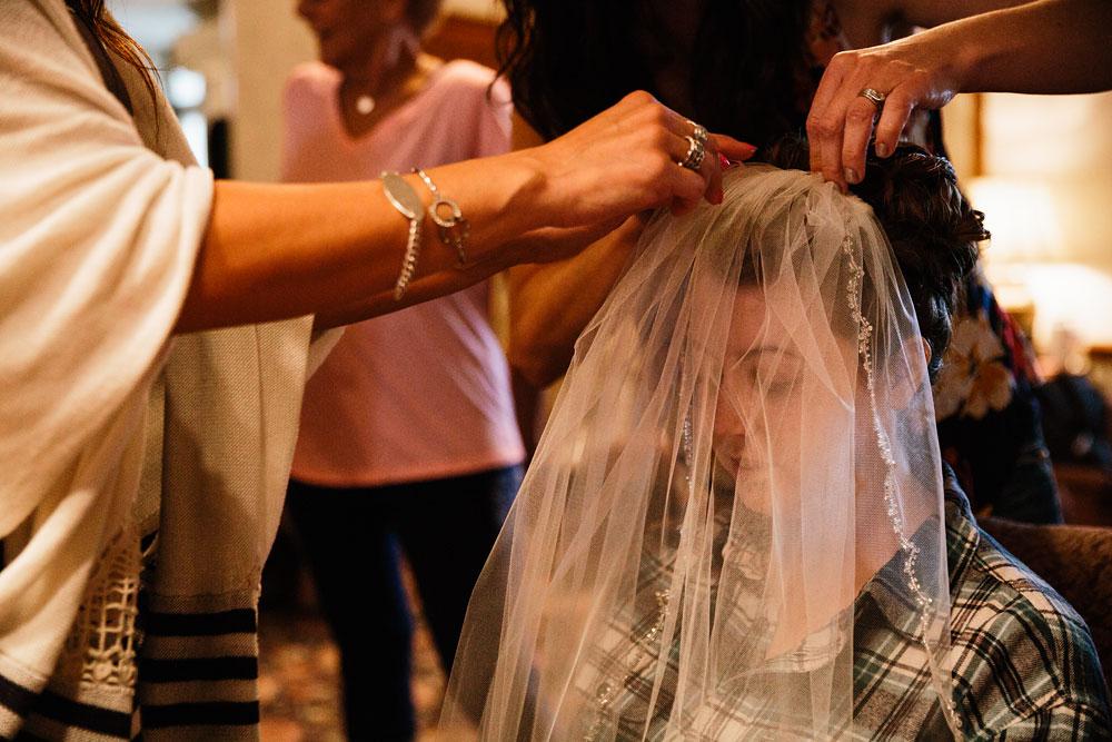 stambaugh-auditorium-youngstown-ohio-cleveland-wedding-photographers-18.jpg