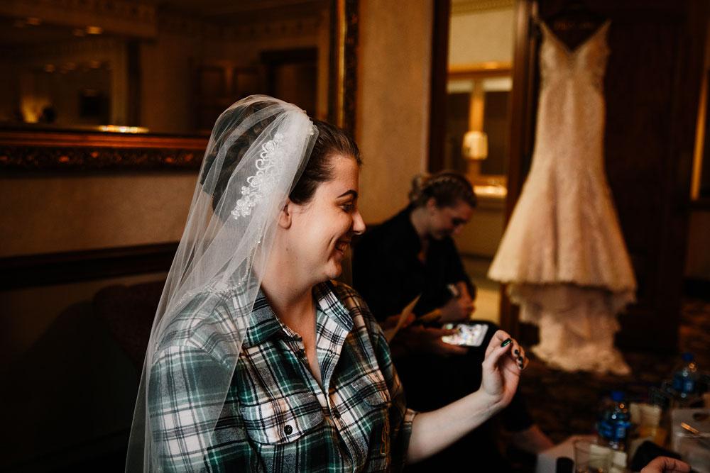 stambaugh-auditorium-youngstown-ohio-cleveland-wedding-photographers-22.jpg