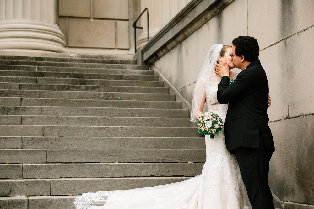 stambaugh-auditorium-youngstown-ohio-cleveland-wedding-photographers-83.jpg