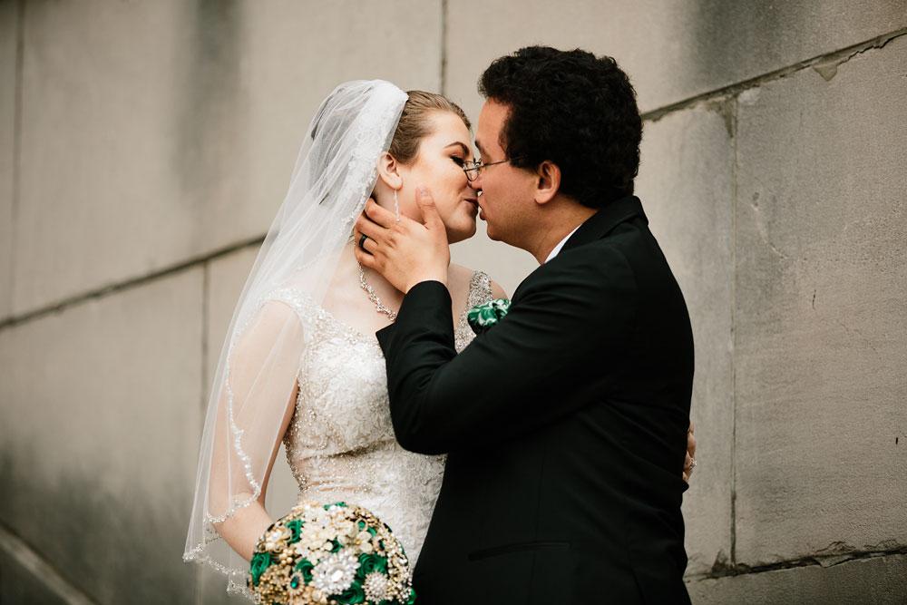 stambaugh-auditorium-youngstown-ohio-cleveland-wedding-photographers-85.jpg