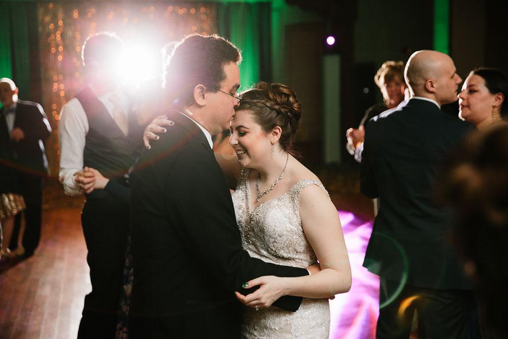 stambaugh-auditorium-youngstown-ohio-cleveland-wedding-photographers-167.jpg