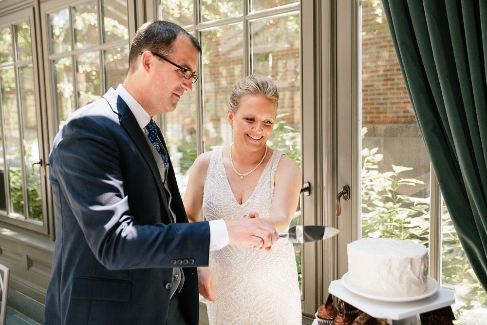detroit-michigan-wedding-photographers-at-royal-park-hotel-rochester-wedding-92.jpg