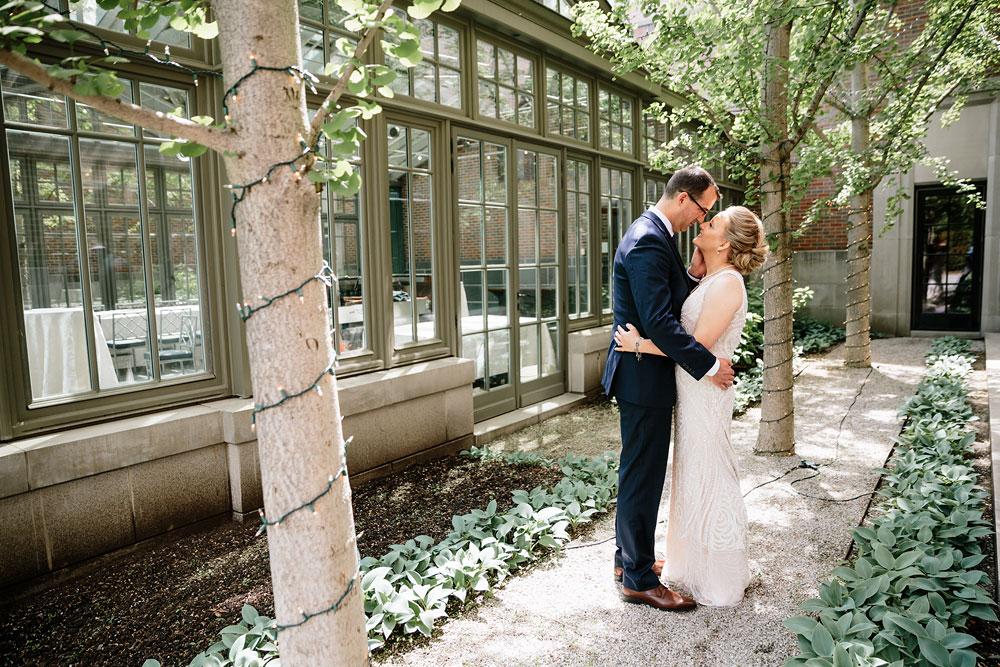 detroit-michigan-wedding-photographers-at-royal-park-hotel-rochester-wedding-103.jpg