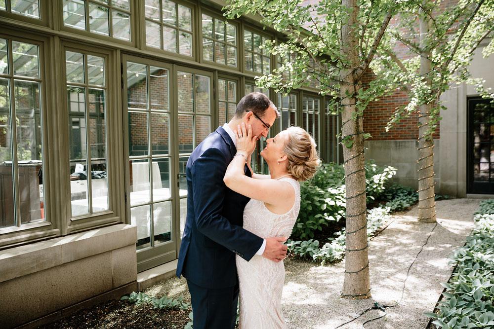 detroit-michigan-wedding-photographers-at-royal-park-hotel-rochester-wedding-105.jpg