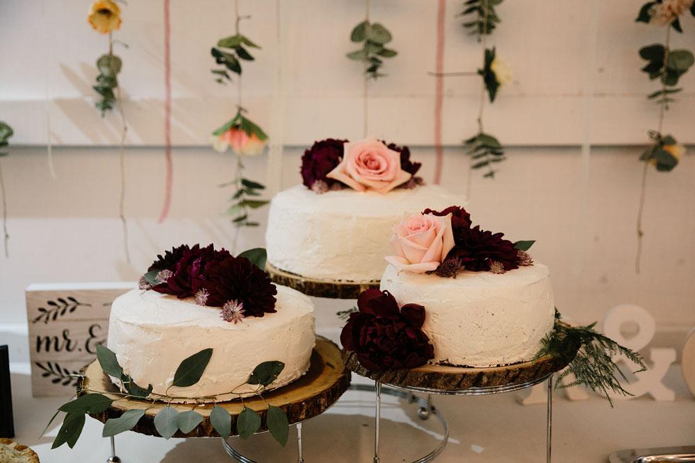 maroon and pink wedding cake three
