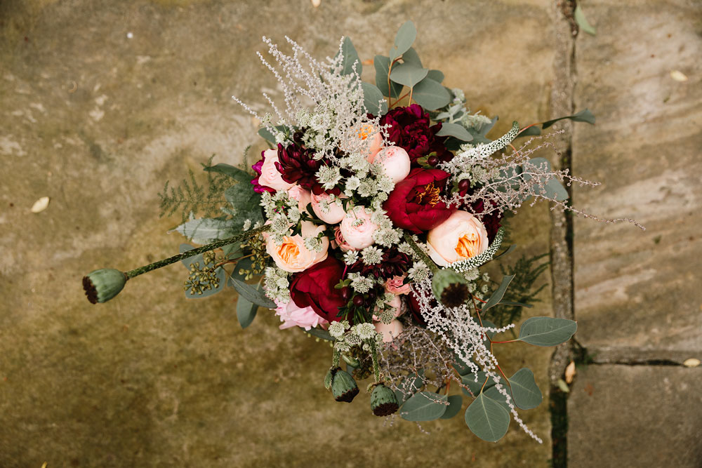 pink red and green bouquet of flowers decorations for wedding