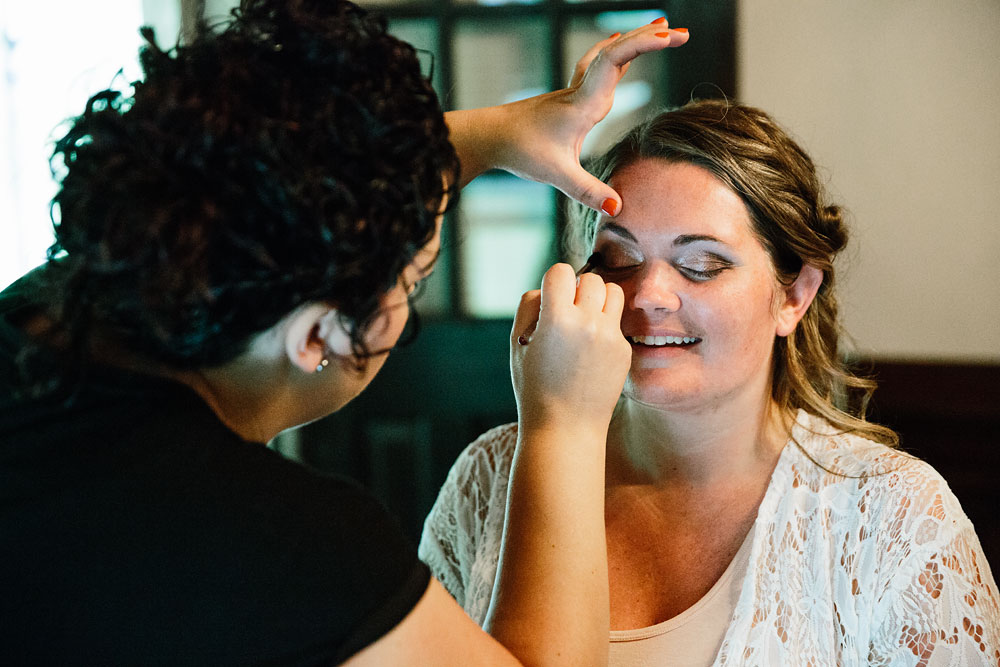 makeup for bride on her wedding day
