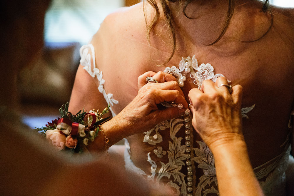 getting the bride ready for her wedding day