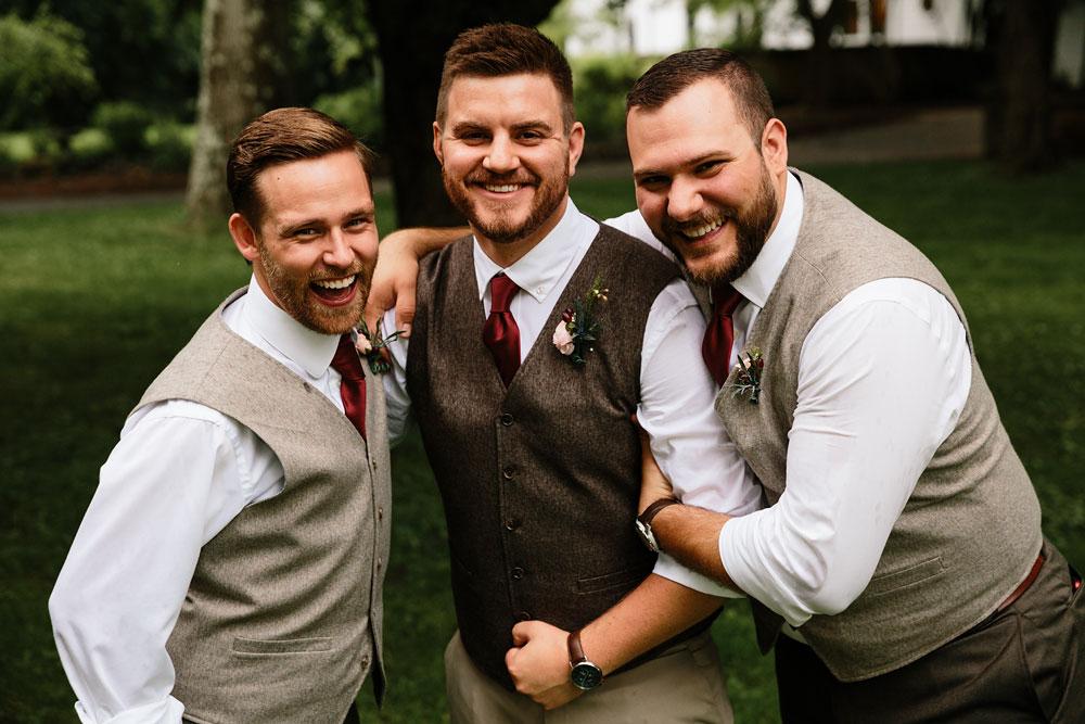 groomsmen and groom photography
