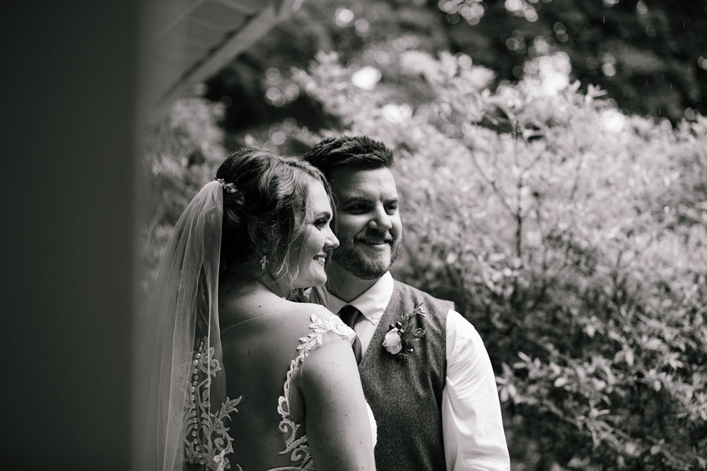 bride and groom photography at Hines Hill Conference Center in Beautiful Cuyahoga Valley National Park