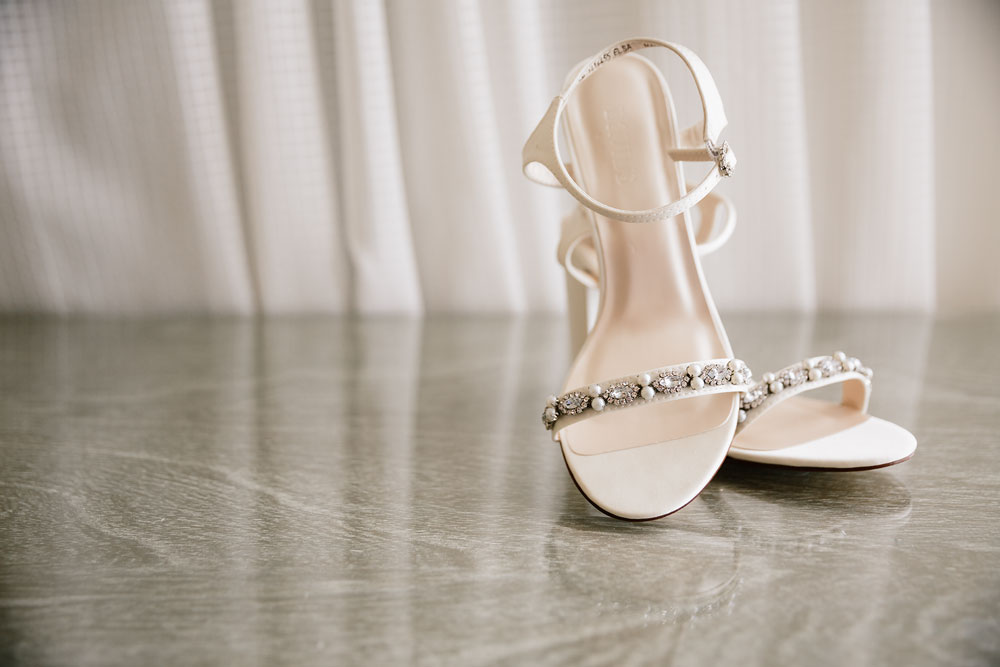 wedding shoes pearls white