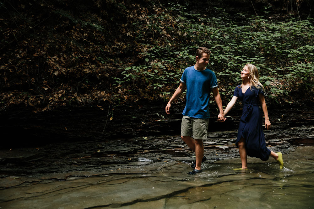 wedding-photographers-in-cleveland-ohio-in-cuyahoga-valley-national-park-engagement-photography-4.jpg