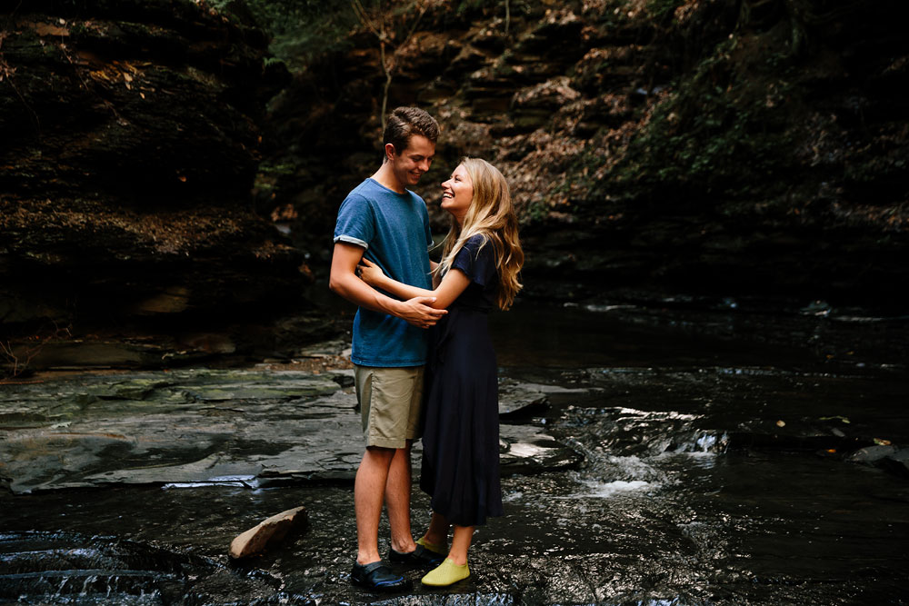 wedding-photographers-in-cleveland-ohio-in-cuyahoga-valley-national-park-engagement-photography-15.jpg
