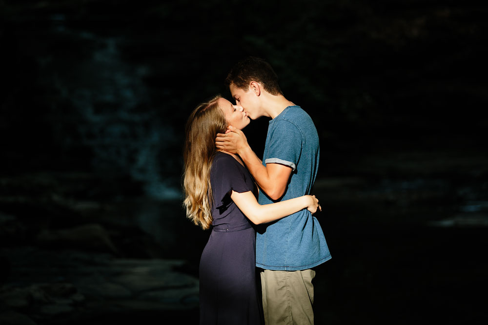 wedding-photographers-in-cleveland-ohio-in-cuyahoga-valley-national-park-engagement-photography-18.jpg