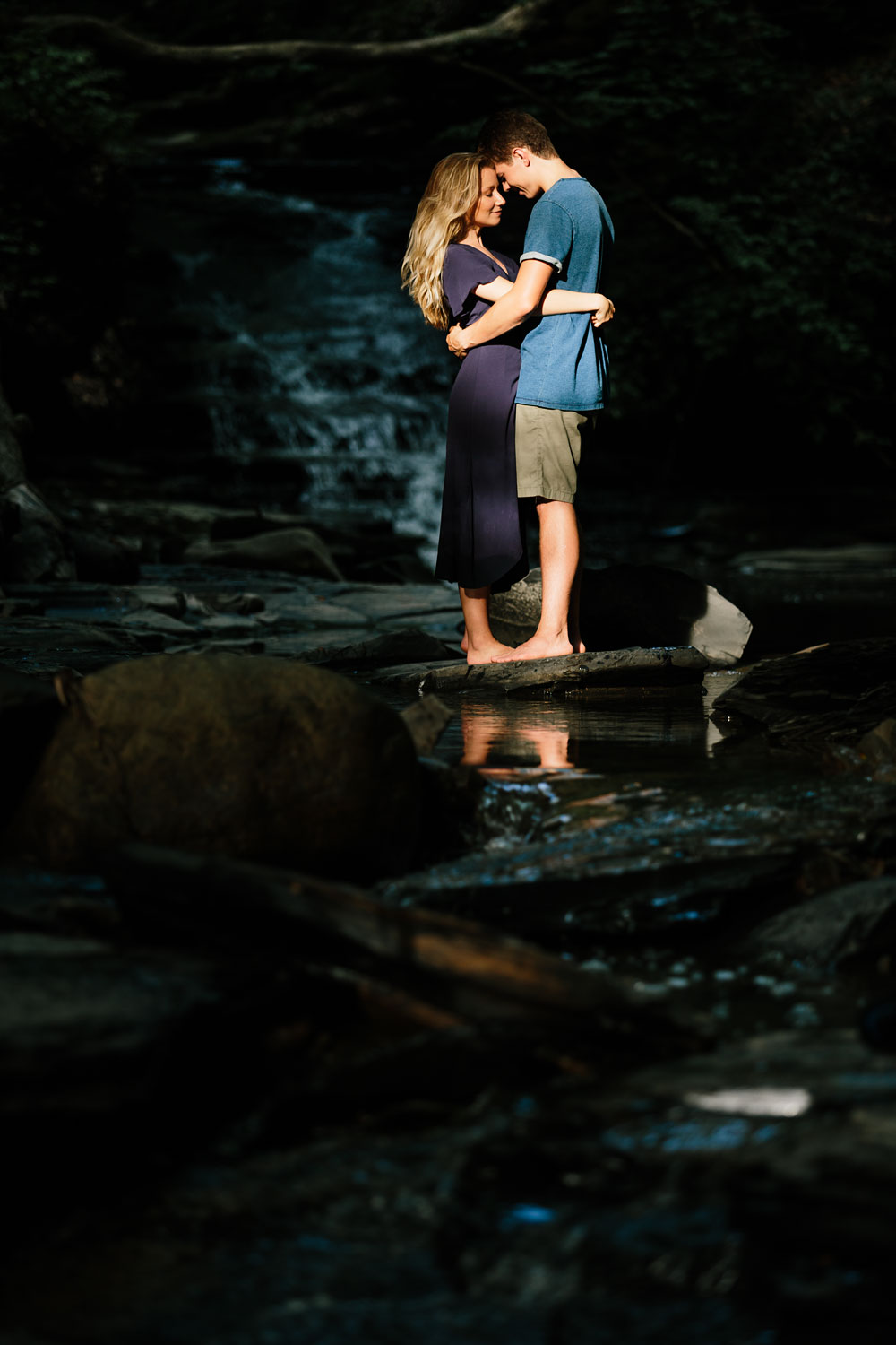 wedding-photographers-in-cleveland-ohio-in-cuyahoga-valley-national-park-engagement-photography-19.jpg
