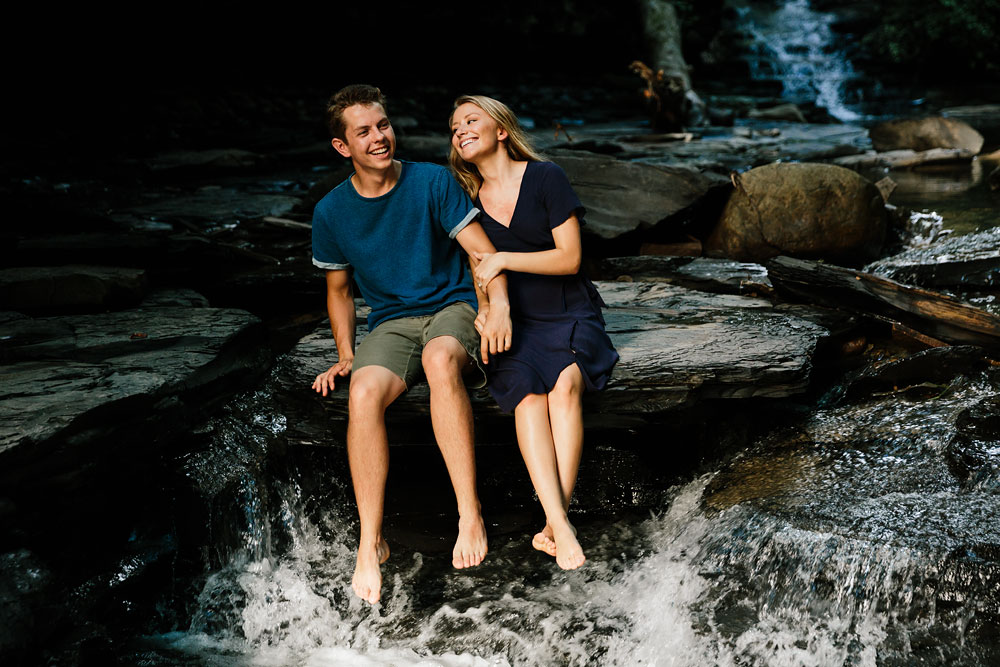 wedding-photographers-in-cleveland-ohio-in-cuyahoga-valley-national-park-engagement-photography-21.jpg
